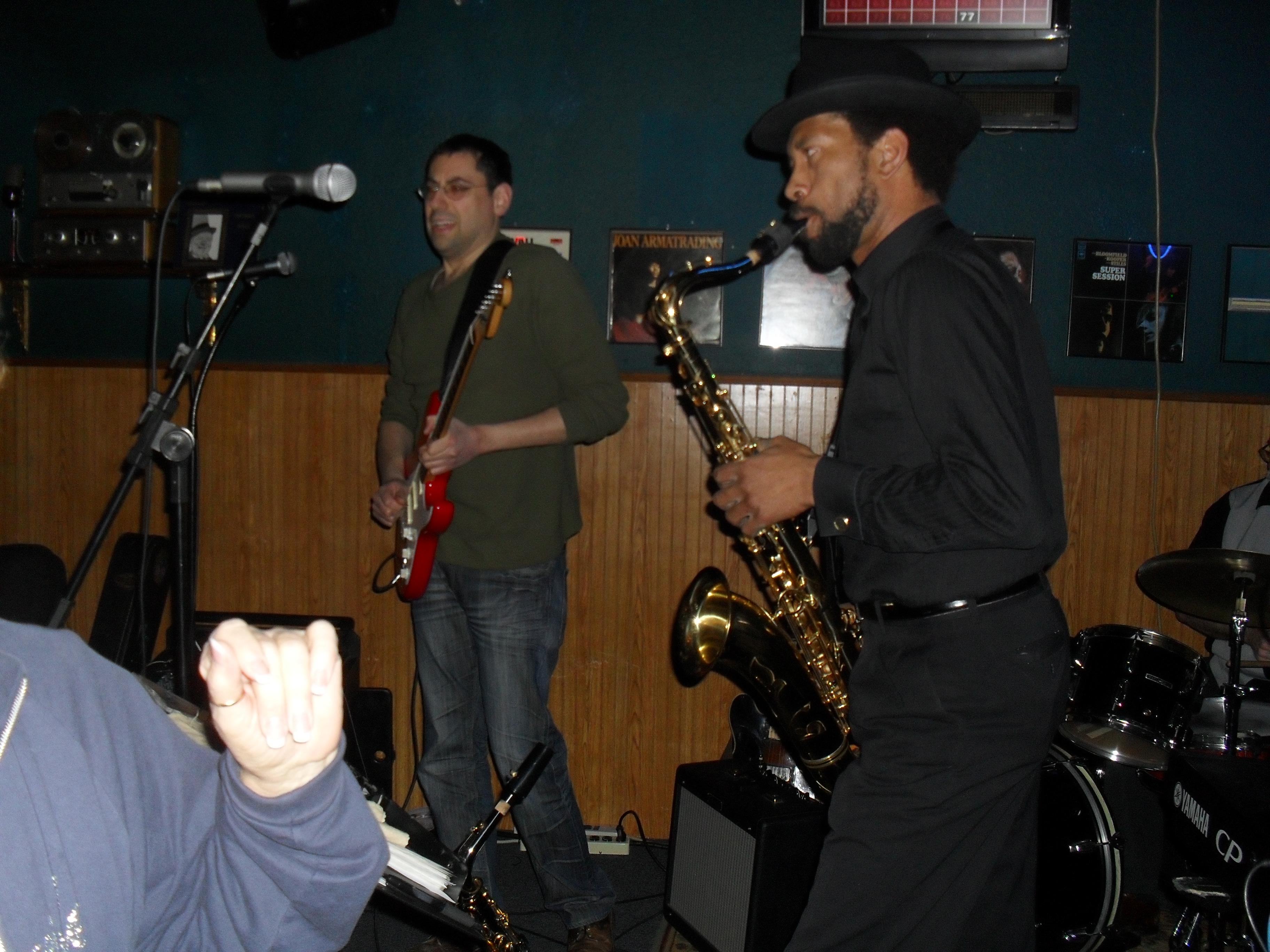 Blue Diamond jam session - Portland, OR. In photo: Fenix